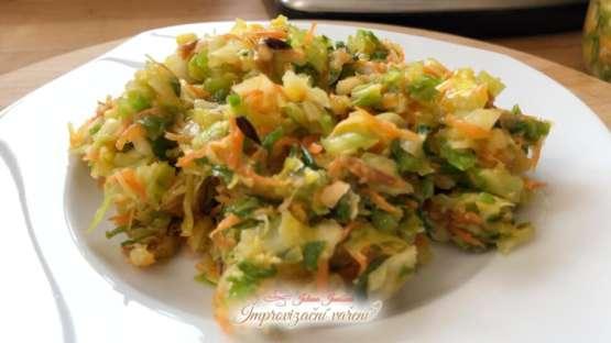 Recept: Zelný salát s křenem